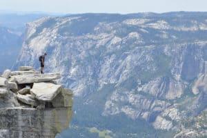 oser la confiance : homme prêt à faire le grand saut